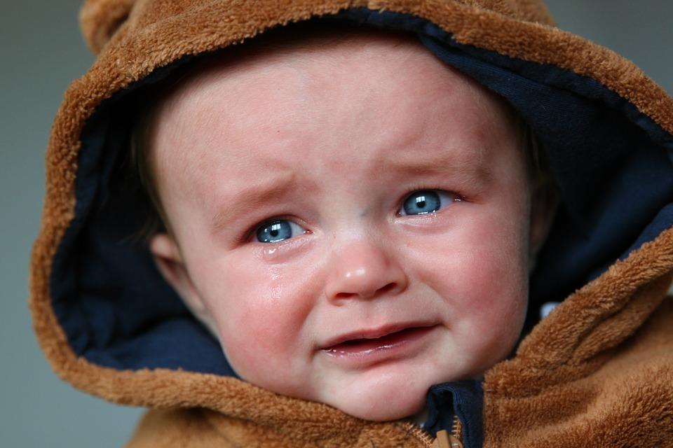 بالصور صور اطفال حزينه , الاطفال هدية من الله لاتحرم احد منهم 2312 4