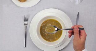 صورة اتيكيت الطعام , كيفية الاكل بطريقه راقيه