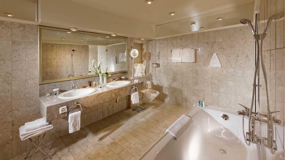 بالصور حمامات فنادق , افخم حمامات فنادق 5618 3