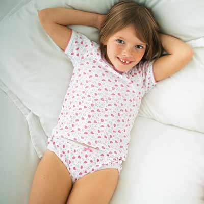 صورة صور بنات بملابس داخلية , الملابس الداخلية انواع واشكال وشركات