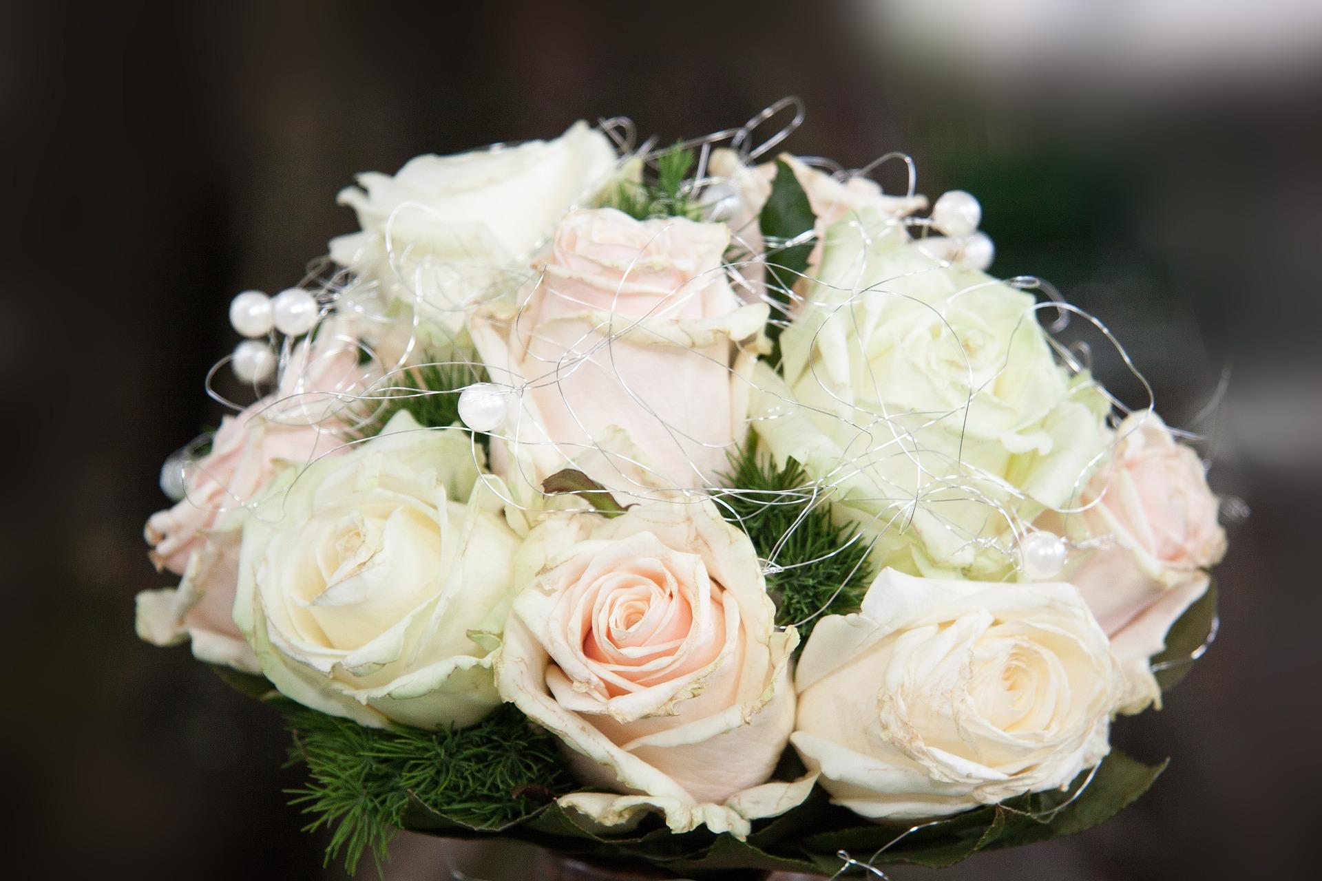بوكيه ورد ابيض اجمل البوكيهات من الورد الابيض قصة شوق