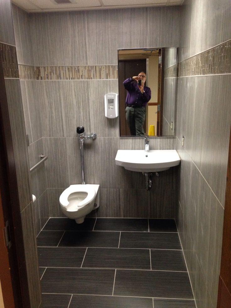 بالصور ديكورات حمامات صغيرة جدا وبسيطة , افكار لتنظيم الحمامات الصغيره 4364 1