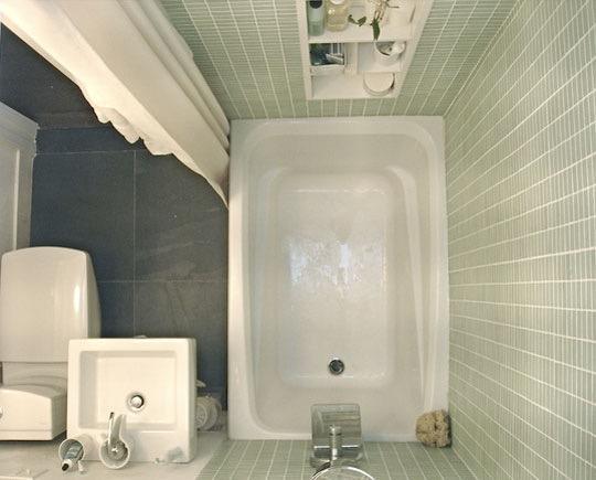 بالصور ديكورات حمامات صغيرة جدا وبسيطة , افكار لتنظيم الحمامات الصغيره 4364 13
