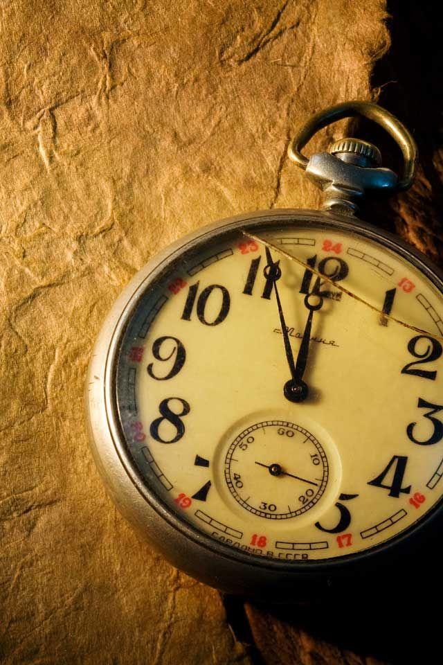 صوره ساعة خلفية , اشكال مختلفه عن الساعات