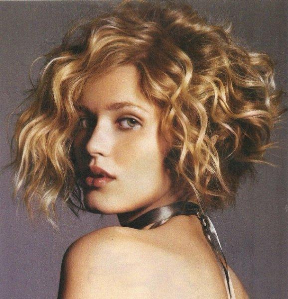 بالصور اجمل قصات الشعر القصير , ابداعات جديدة لقصات الشعر القصير 4494 10