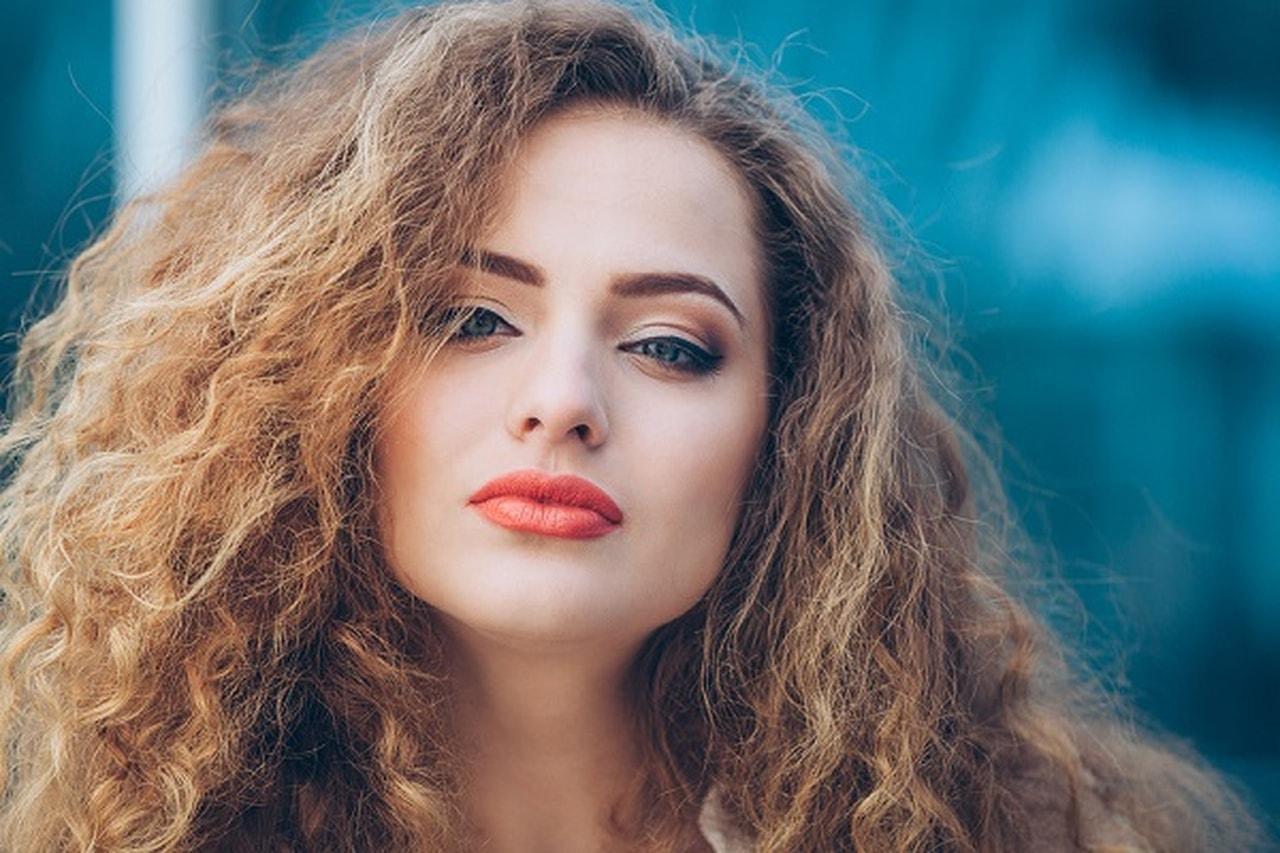 صورة علاج الشعر الجاف , طريقة معالجة الشعر الناشف 4523