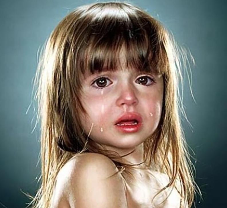 بالصور طفلة حزينة , دموع وحزن الاطفال 4543 4