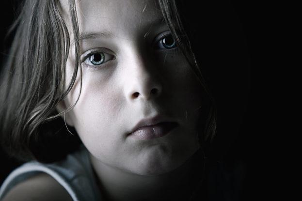 بالصور طفلة حزينة , دموع وحزن الاطفال 4543 6