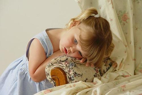بالصور طفلة حزينة , دموع وحزن الاطفال 4543 7