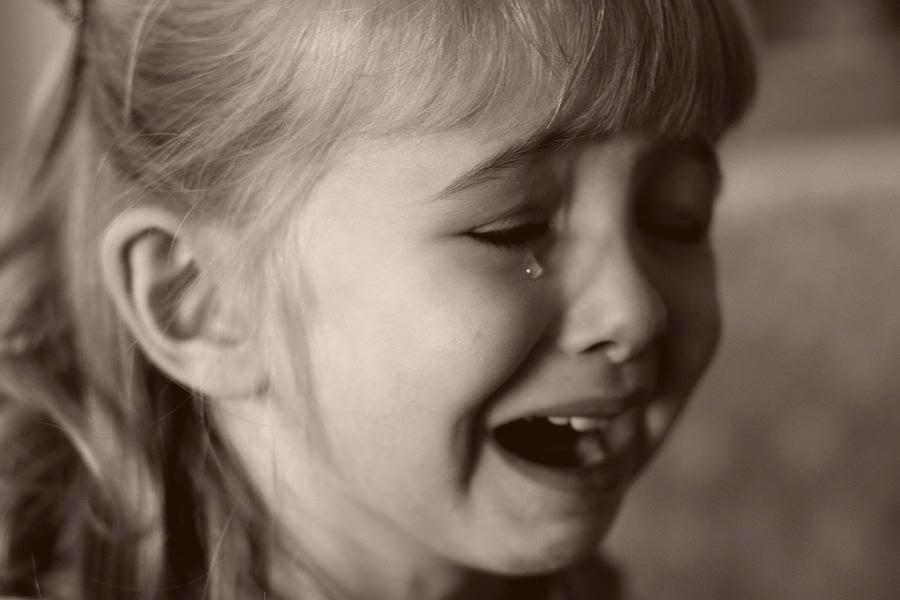 بالصور طفلة حزينة , دموع وحزن الاطفال 4543 9