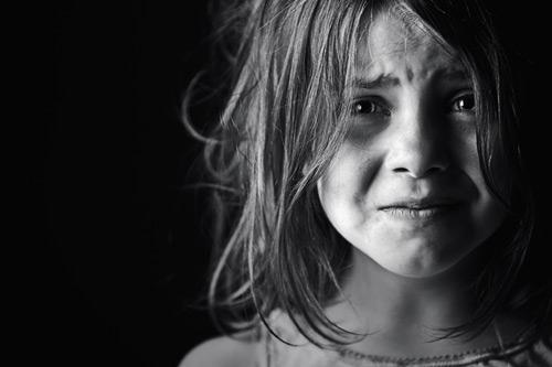 بالصور طفلة حزينة , دموع وحزن الاطفال 4543