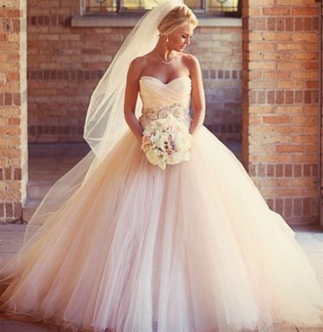 بالصور صور فساتين عرايس , فساتين زفاف راقيه 4623 3