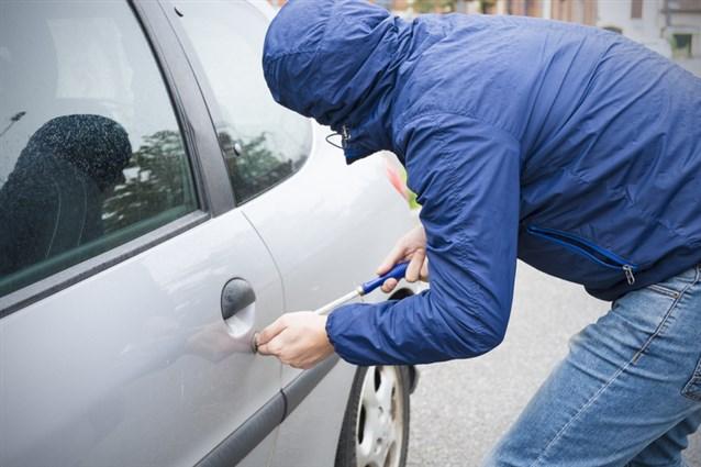 بالصور تفسير حلم سرقة السيارة , يا ترى ايه معنى انك تحلم ان سيارتك اتسرقت. 4752