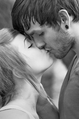 بالصور بوس الشفايف , قبلات ساخنة جميلة 181 5