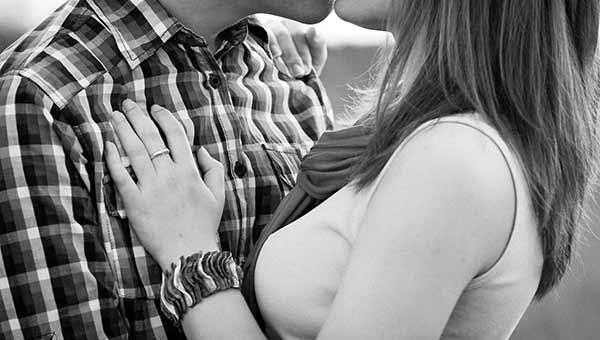 صور صور رومانسيه ساخنه , احلى صور حب مثيرة