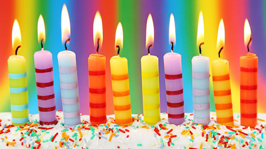 بالصور خلفيات عيد ميلاد , بوستات تعبر عن الاحتفالات 5828 2
