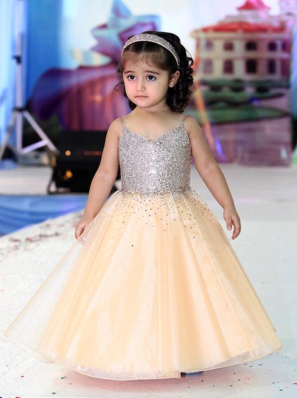 بالصور فساتين اطفال بنات , اروع الملابس الخاصه بالاطفال 823 11