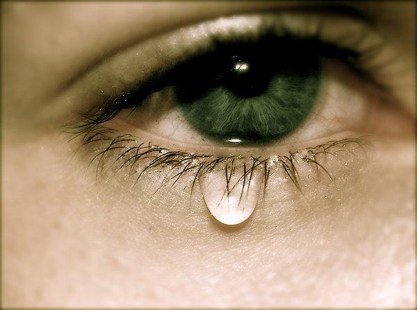 بالصور صور دموع حزينه , صور تعبر عن الحزن 3255 3