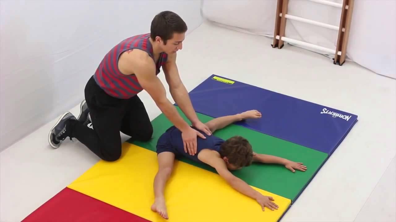 صور تعليم الجمباز للاطفال , ممارسة رياضة الجمباز للصغار