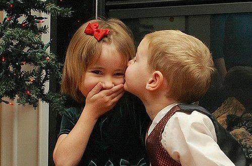 بالصور صور بوس جامد , قبلات جميله جدا للاطفال 4228 10 500x330