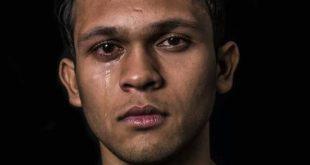 صور رجل يبكي , متى يبكى الرجال