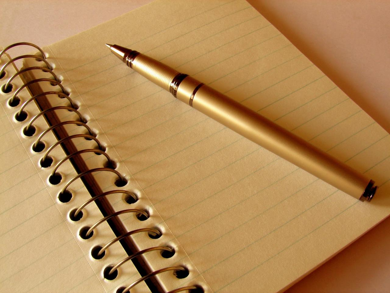 صورة صور قلم يكتب , شاهد صور قلم يكتب على ورق