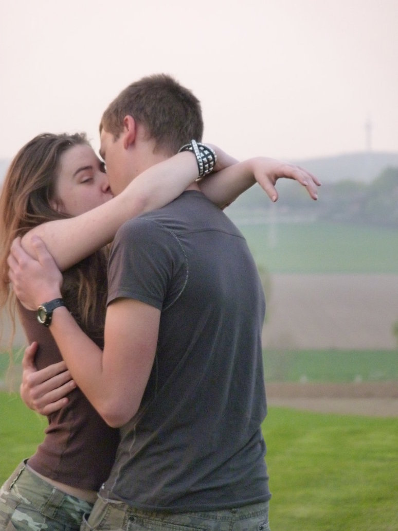 صورة صور قبلات ساخنة , اروع القبلات بين الاحباب